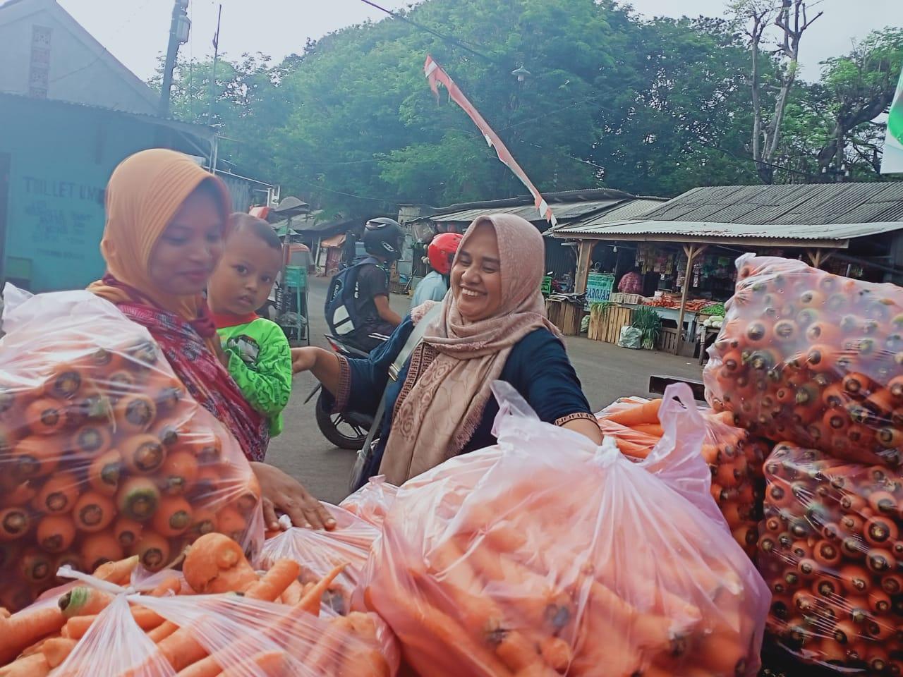 Harga Sayur Anjlok Hingga 100% di Pasar Lumajang