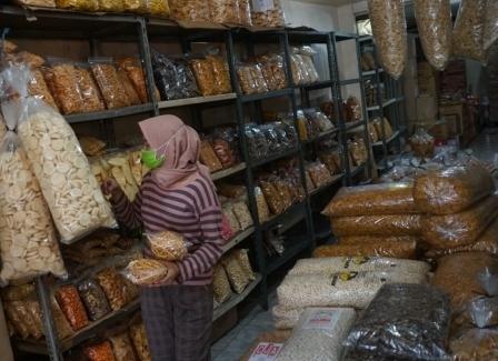 Penjualan Kue Lebaran di Lumajang Turun Drastis saat Masa Pandemi