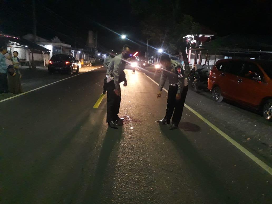 Hamid Naik Motor Senggol Pegguna Jalan Malah Tabrak Minibus di Tempeh