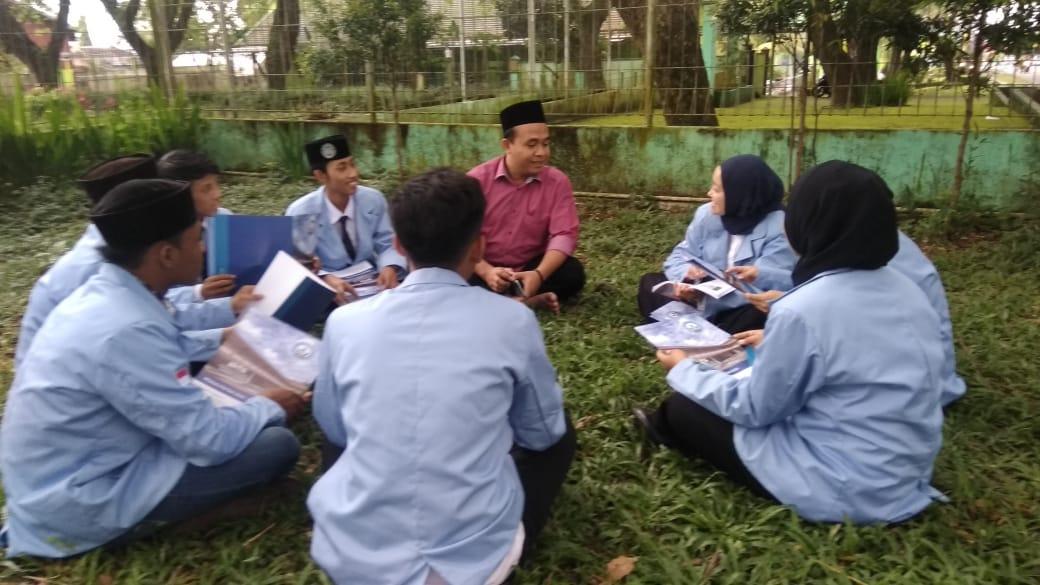 Akademi Komunitas Teknologi Syarifuddin Lumajang Bikin Profil di KWT