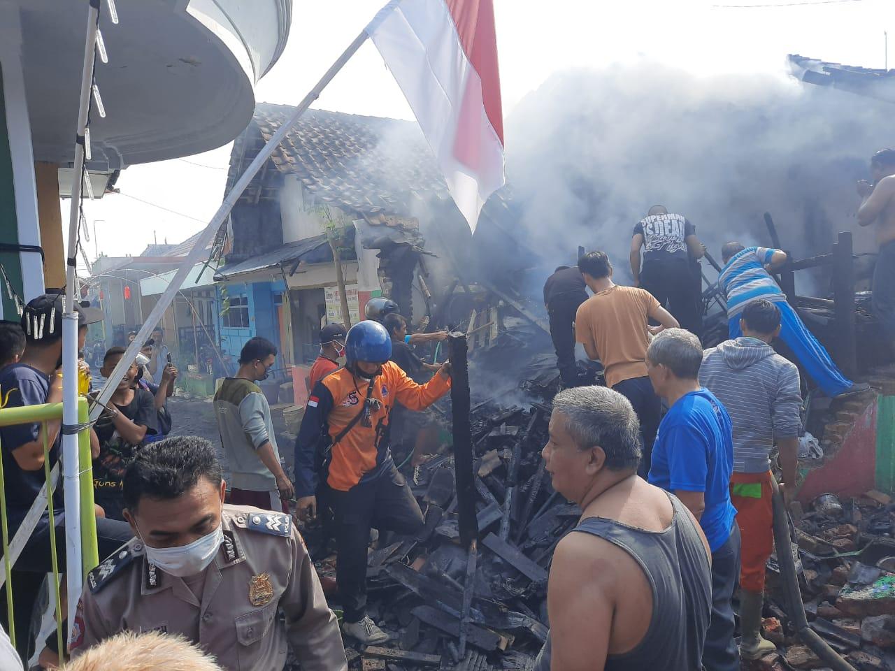 Rumah Khudori Jagalan LumajangTerbakar Saat Asyik Menonton TV