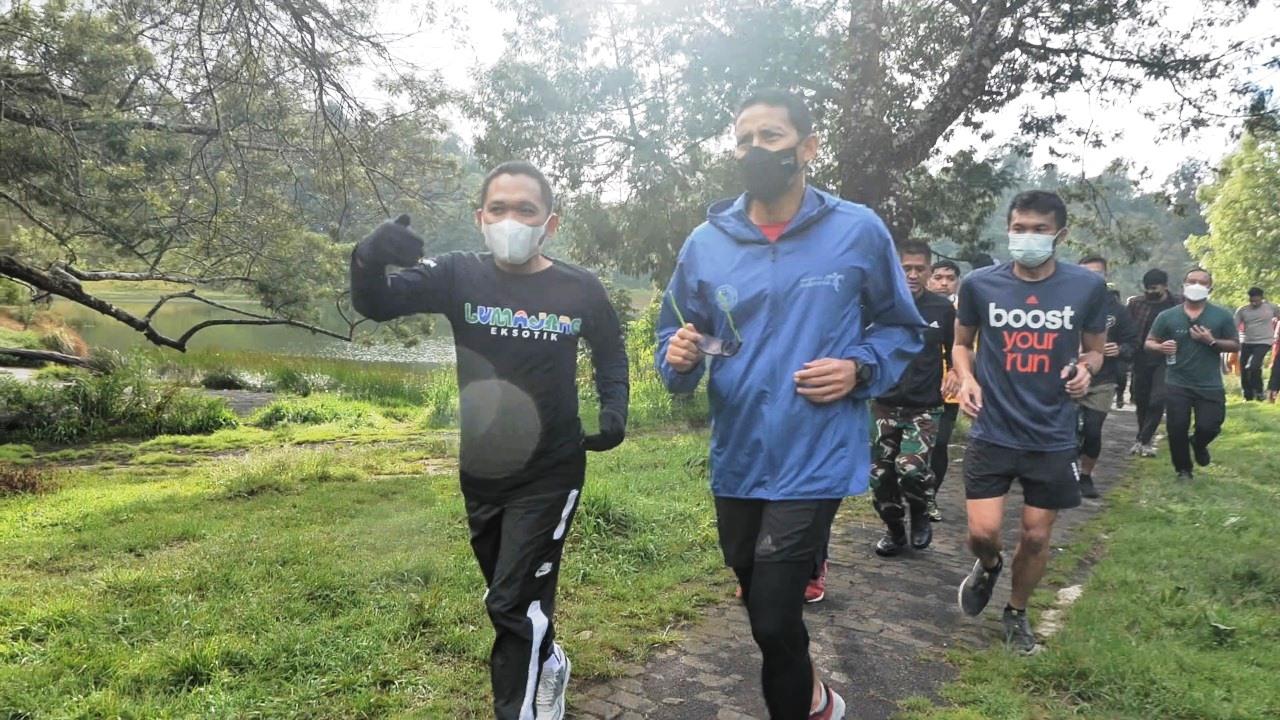 Cak Thoriq Bagikan Momen Joging Bareng Menparekraf di Ranu Pane