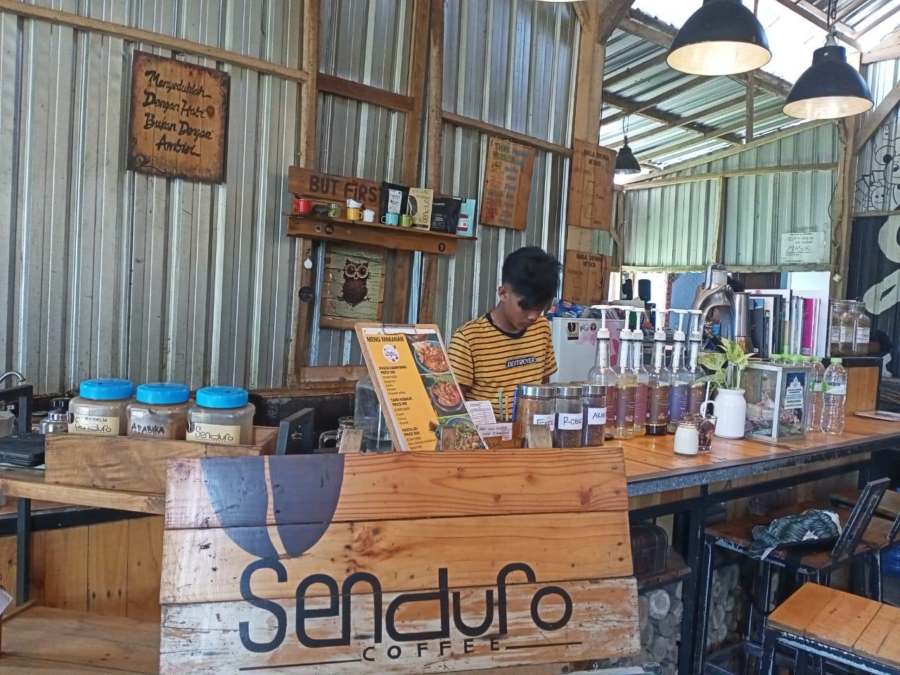 Senduro Coffee Angkringan Lereng Semeru Jujukan Wisatawan ke Lumajang