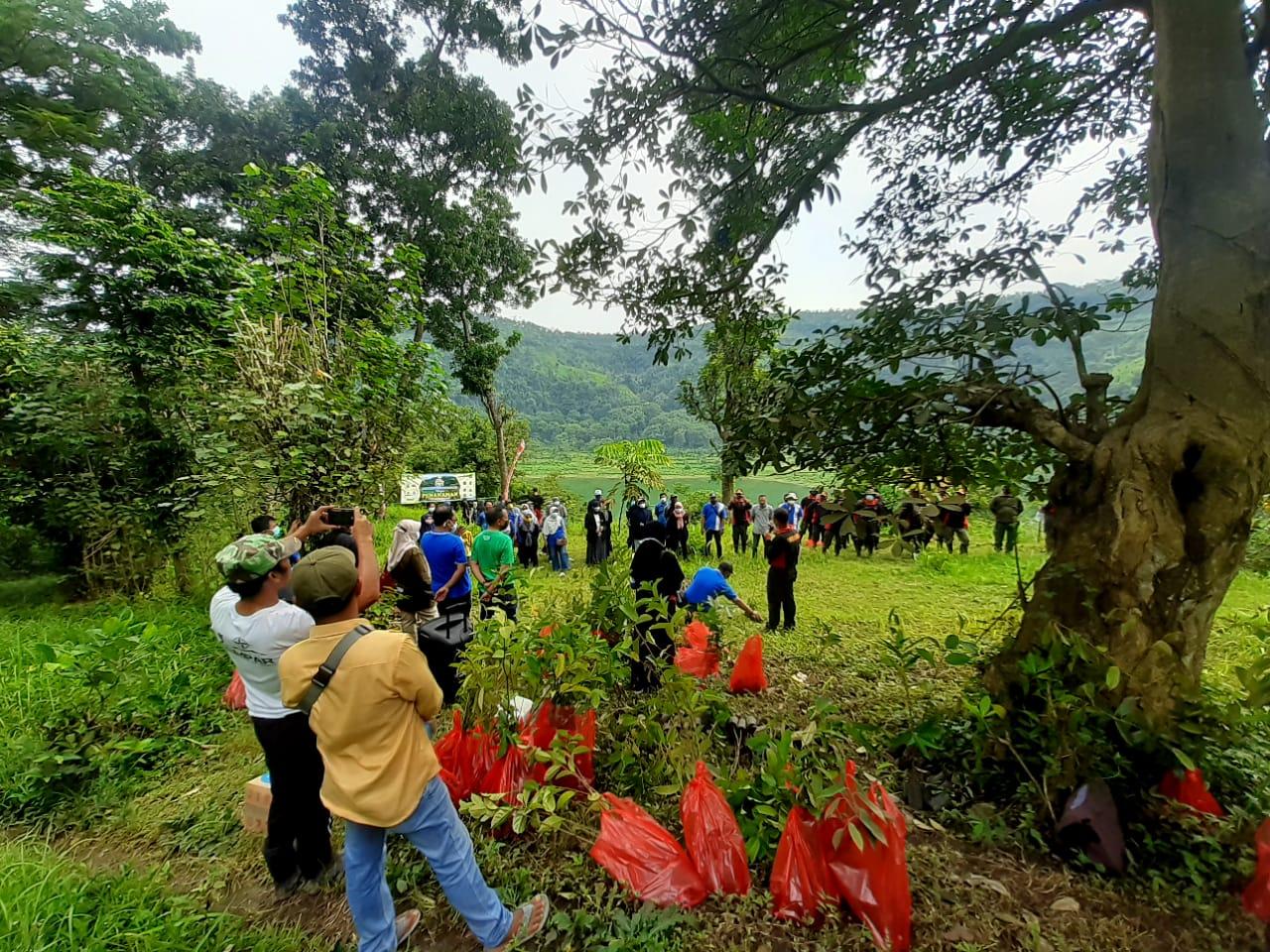 Komunitas Pemuda Ranuyoso Lumajang Hijaukan Sekitaran Ranu Bedali