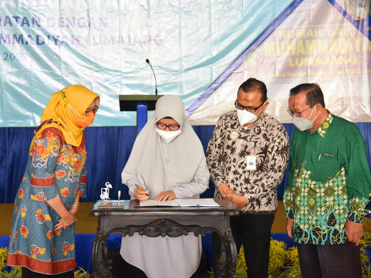 Bunda Indah Saksi RS Muhammadiyah Lumajang Layani Kepesertaan BPJS