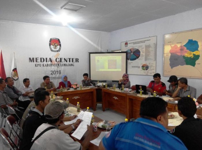 Masuk ke OSIS dan Sekolah, KPU Lumajang Sisir Pemilih Pemula