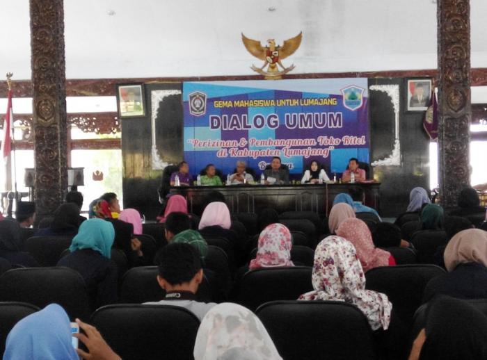 Dialog Ijin Toko Ritel, Bupati Asat Ajak Mahasiswa Belanja di Toko Tetangga