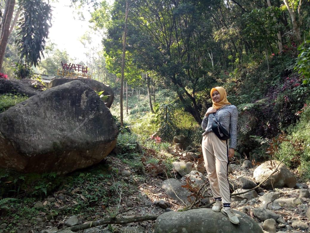 Kemarau, Keindahan Air Terjun Semingkir Kebun Teh Gucialit - Lumajang Lenyap