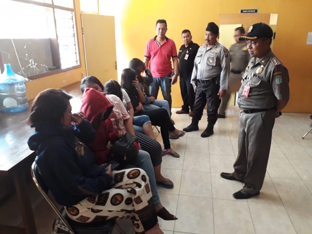 Mucikari Eks Lokalisasi Protes ke Satpol PP Lumajang Sering Razia