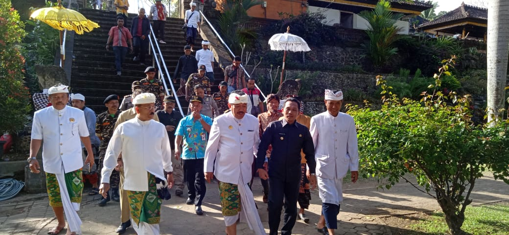 Cak Thoriq Ingin Tata Infrastruktur Pura Mandha Giri Demi Kenyamanan Umat Hindu