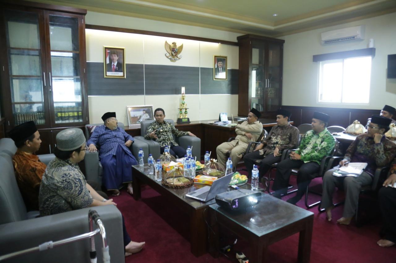 Bupati Lumajang Diskusi Soal Pendidikan dan Ekonomi Syariah di IAI Syarifuddin