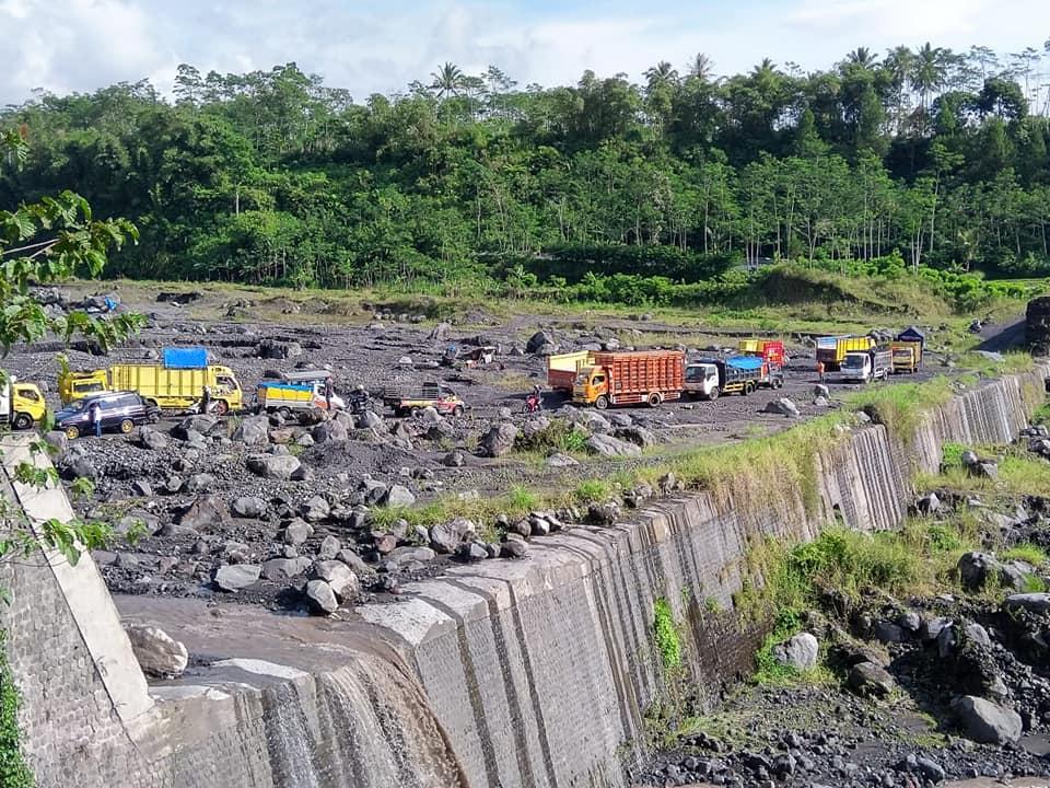 Jalur Alternatif Curah Kobokan Semeru Tidak Direkomendasi Satlantas Lumajang