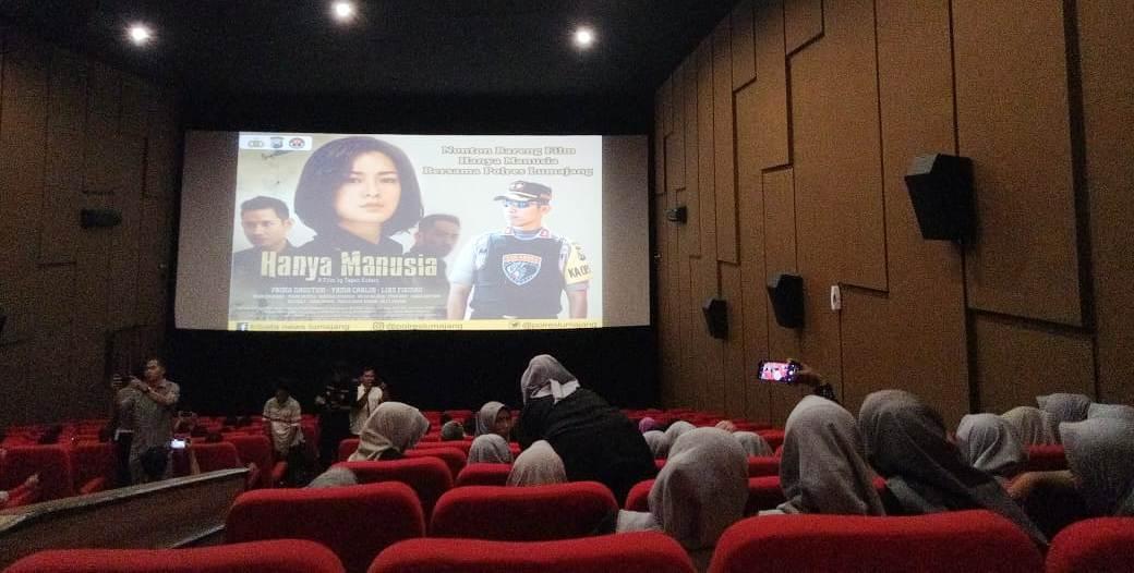 Kapolres Lumajang : Ada Pesan Tersirat Layak Diteladani Film Hanya Manusia