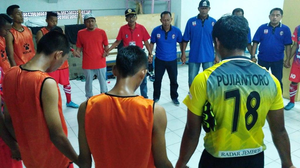 Gus Fahrur Pimpin Do'a Semeru FC Jelang Lawan Celebest