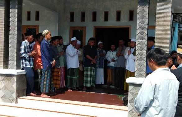 Wakil RektorIII bersama Dosen IAI Syarifuddin Takziyah Ke Almarhum Ruslich