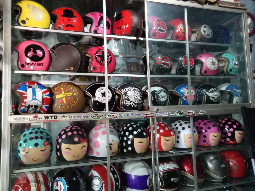 Helm Bogo Banyak di Minati di Kalangan Remaja Lumajang