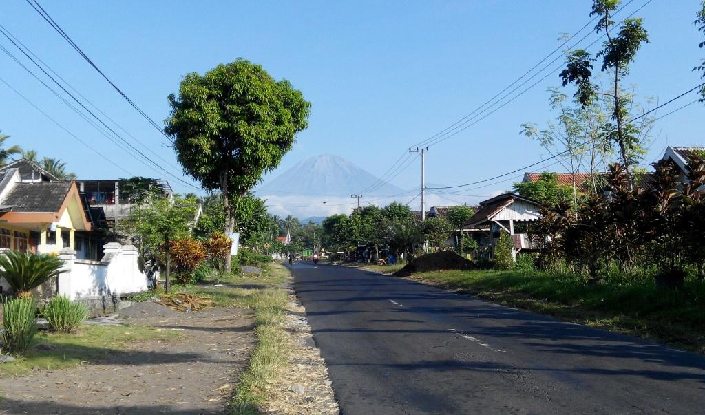 Tertimpa Batu, Pendaki Asal Jakarta Meninggal di Puncak Pulau Jawa Mahameru