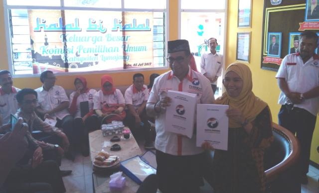 Antarkan Berkas Pendaftaran ke KPU Lumajang, Perindo Pasang Target 5 Kursi DPRD