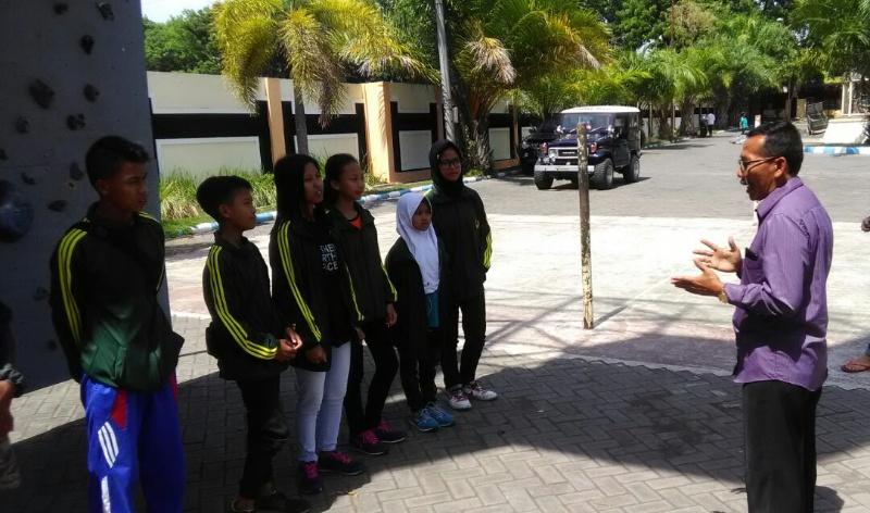 H. Ngateman, Ketua KONI Lepas Atlet Panjat Tebing ke Kejurprov Tulungagung
