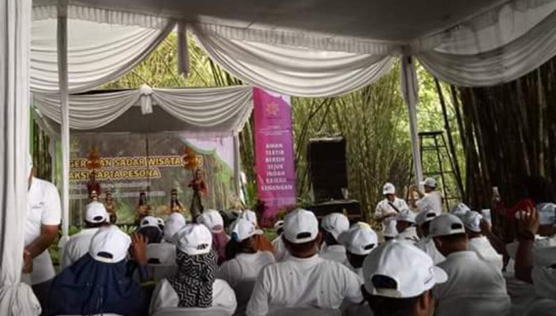 Kementrian Pariwisata Gelar Gerakan Sadar Wisata dan Sapta Pesona di Hutan Bambu Lumajang
