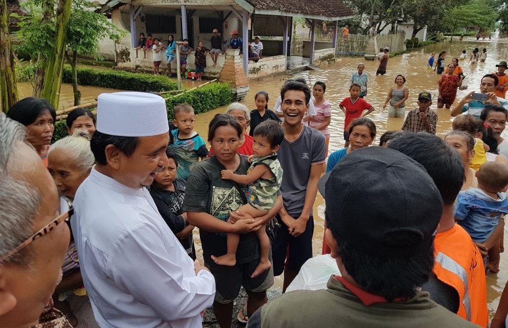 Bupati As'at Pantau Langsung Penanganan Banjir di Rowokangkung