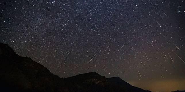 Ada Hujan Meteor Giminid Jelang Hari Jadi Lumajang