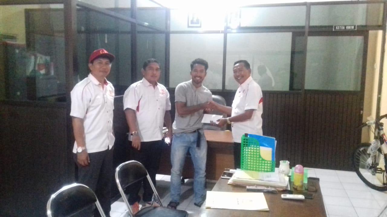 Saiful Rijal Atlet Sepak Takraw Diberi Reward Ketua KONI Lumajang