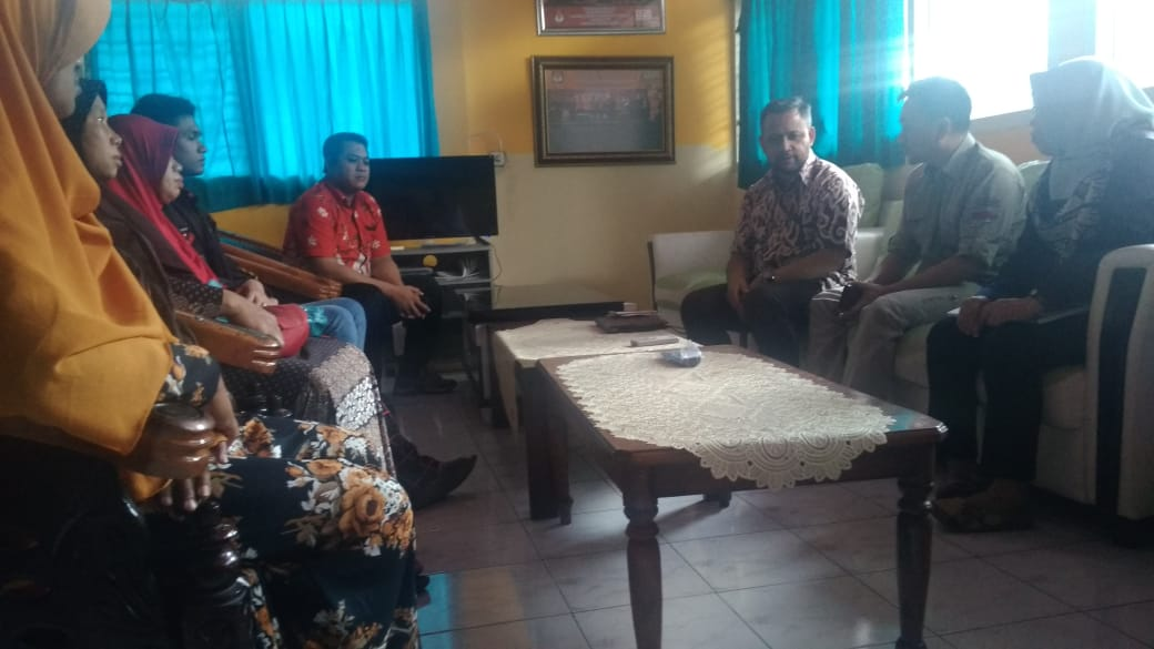 Istri Linmas Pulo Meninggal Jaga TPS Bingung Masa Depan Anaknya