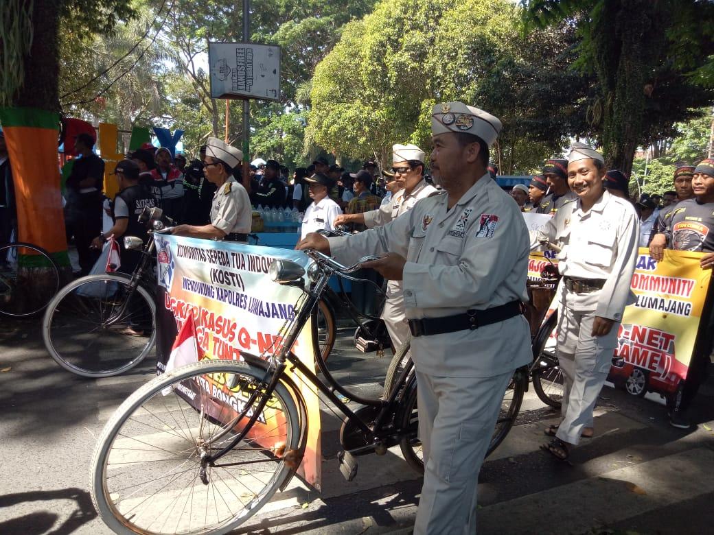 Dukung Kapolres Lumajang Usut Bisnis Piramida KOSTI Ikut Aksi Bawa Sepeda Tuwek