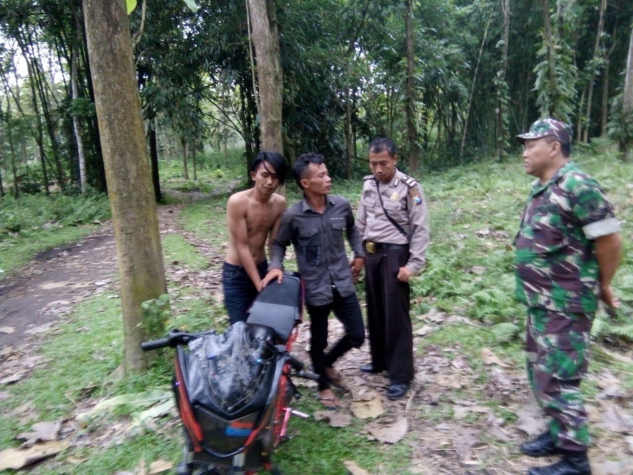 Dua Pemuda Diamankan Saat Pesta Miras Oplosan di Hutan Pinus Candipuro