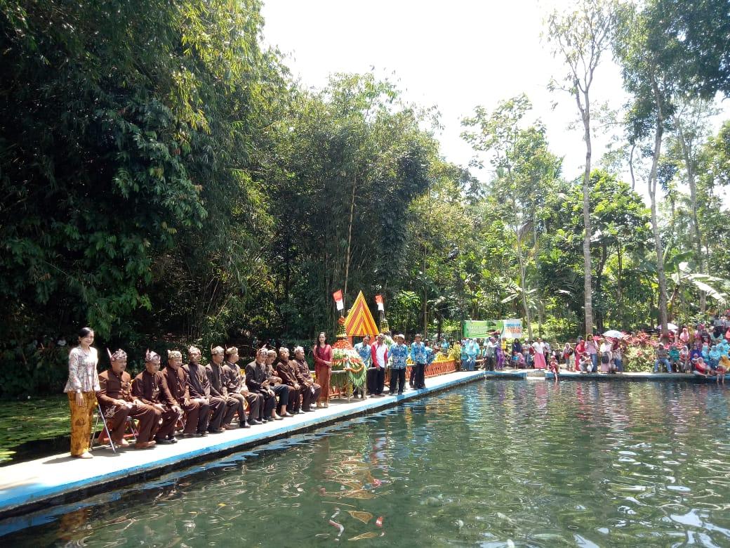 Warga Candipuro Gelar Ritual Bersih Sumber Air Tirtosari Penanggal