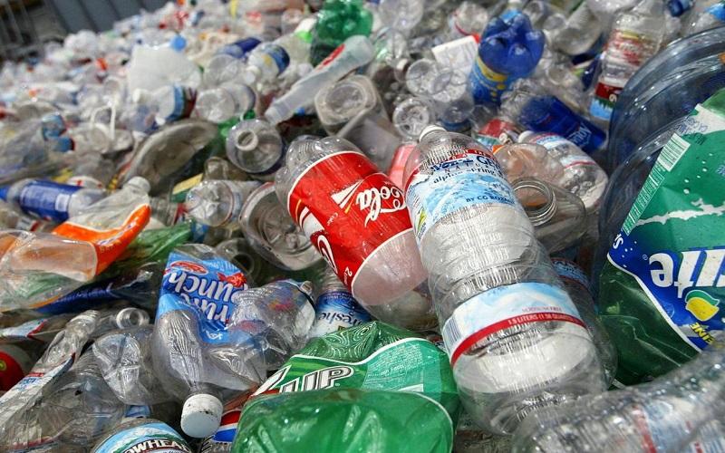 Bupati Lumajang Ingatkan Dampak Buruk Sampah Plastik