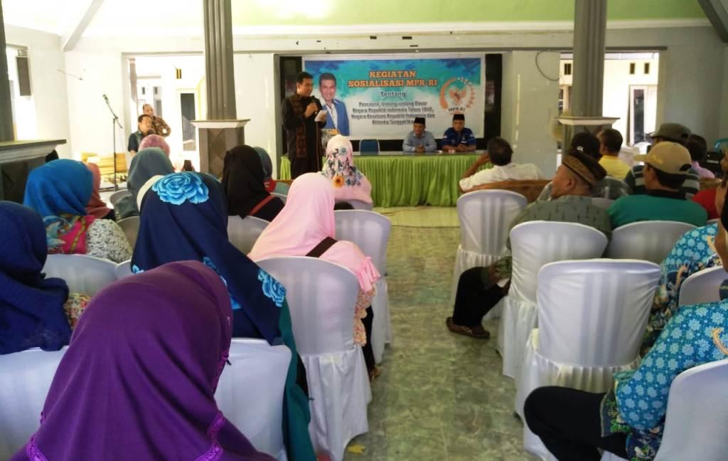 Drs. Ayub Khan M.Si Gelar Sosialisasi Empat Pilar Kebangsaan di Desa Tukum