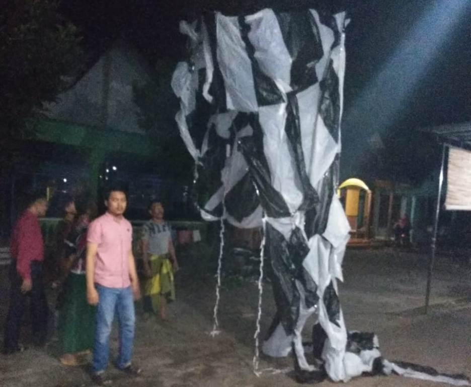 Balon Udara Bawa Ratusan Mercon Jatuh di Depan Rumah Kades Wonorejo Lumajang