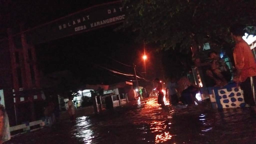 Malam Ini Tiga Desa di Lumajang Dikepung Banjir
