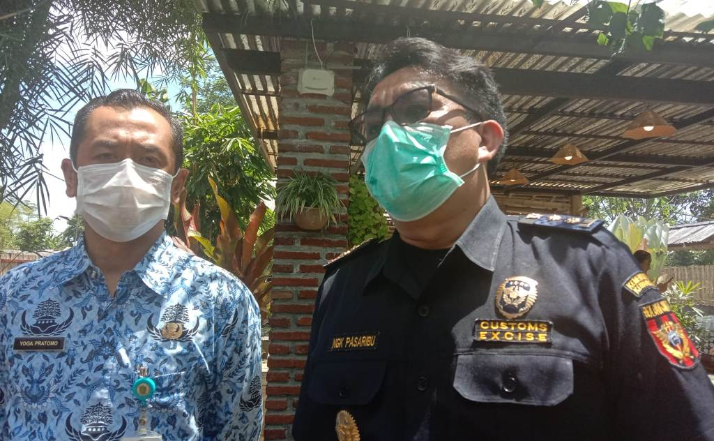 Bea Cukai Ajak Masyarakat Lumajang Kenali Rokok Ilegal