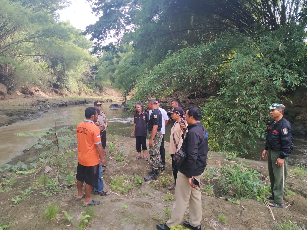 Pemuda Jember Hilang Terbawa Arus Sungai Rowokangkung Lumajang