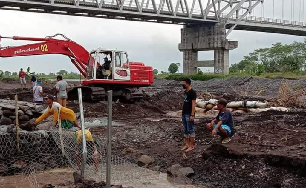 Bronjong Irigasi Pertanian di Pandanarum Lumajang Mulai Dibangun