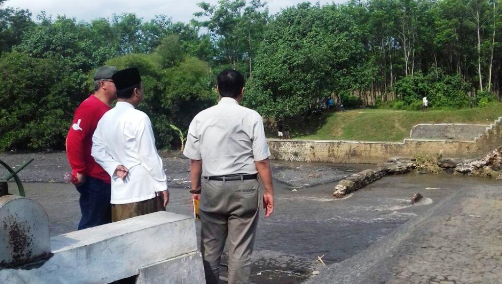 Ambil Langkah Cepat, Bupati Lumajang Pantau Langsung Kondisi Dam Kali Asem Yang Jebol