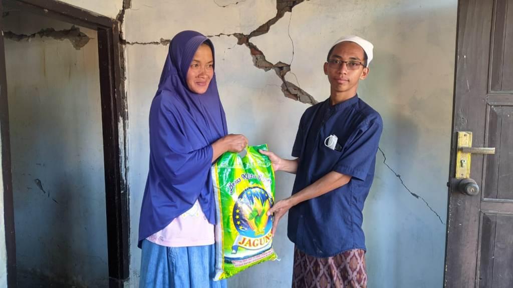 Ponpes Darun Najah Lumajang Bantu Wali Santri Terdampak Gempa
