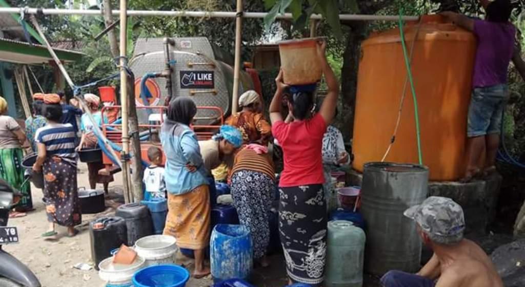 Kekeringan Melanda, Pemkab Lumajang Kirim Puluhan Tangki Air Bersih