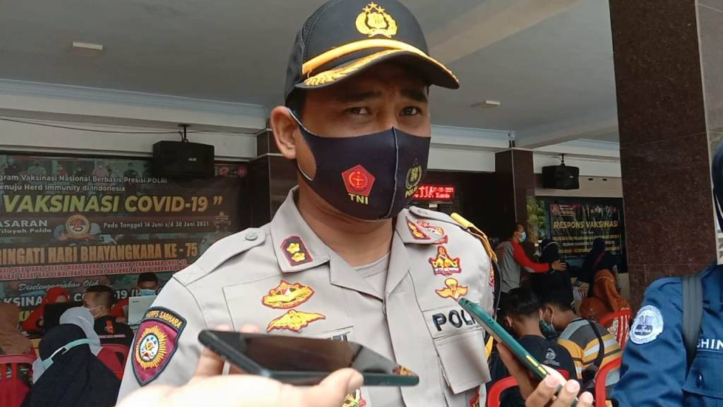 Video Viral Polisi Grebek Arena Judi di Pasar Hewan Lumajang
