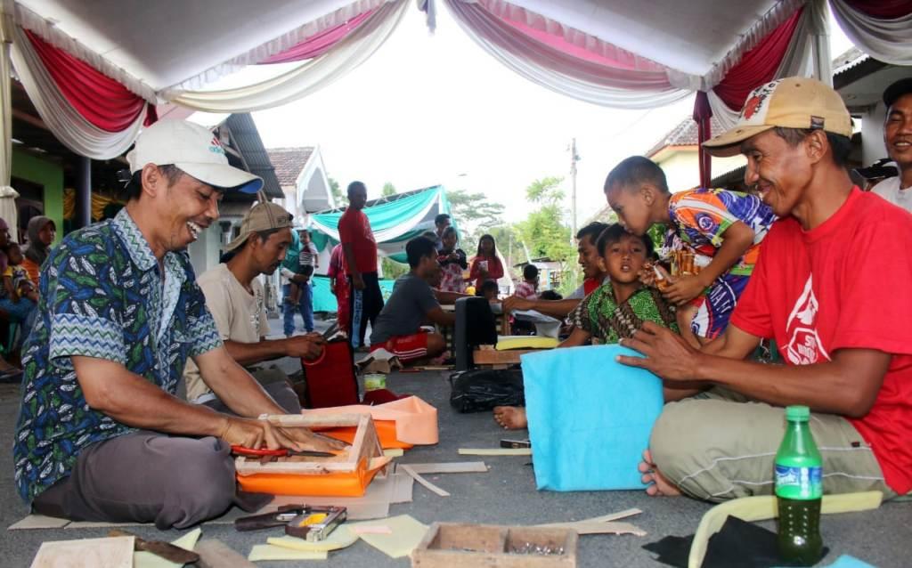 Pasinan Dingklik Festival Branding Kampung Mebel di Lumajang