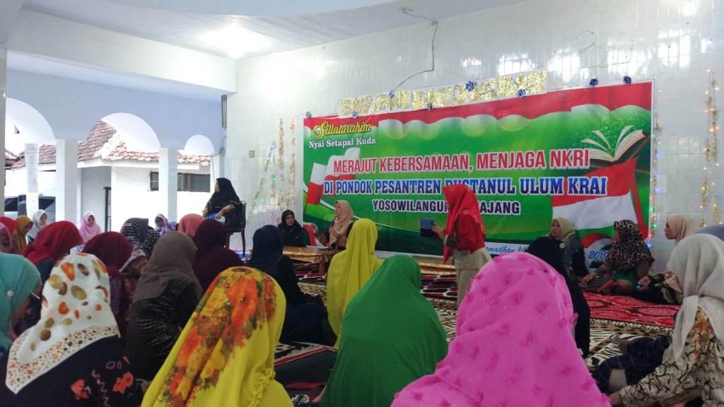 Jelang 22 Mei, Forum Ibu Nyai se-Tapal Kuda Ajak Umat Islam Perbanyak Do'a