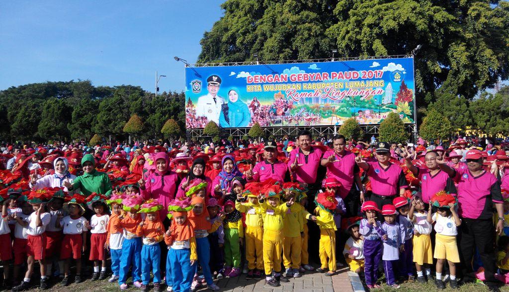 """Angkat Tema Ramah Lingkungan, Gebyar PAUD 2017 """"I Like Lumajang"""""""