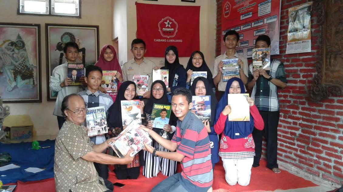 Dirikan Taman Baca Pondok Ilmu, GSNI Lumajang Gugah Budaya Membaca Anak Muda
