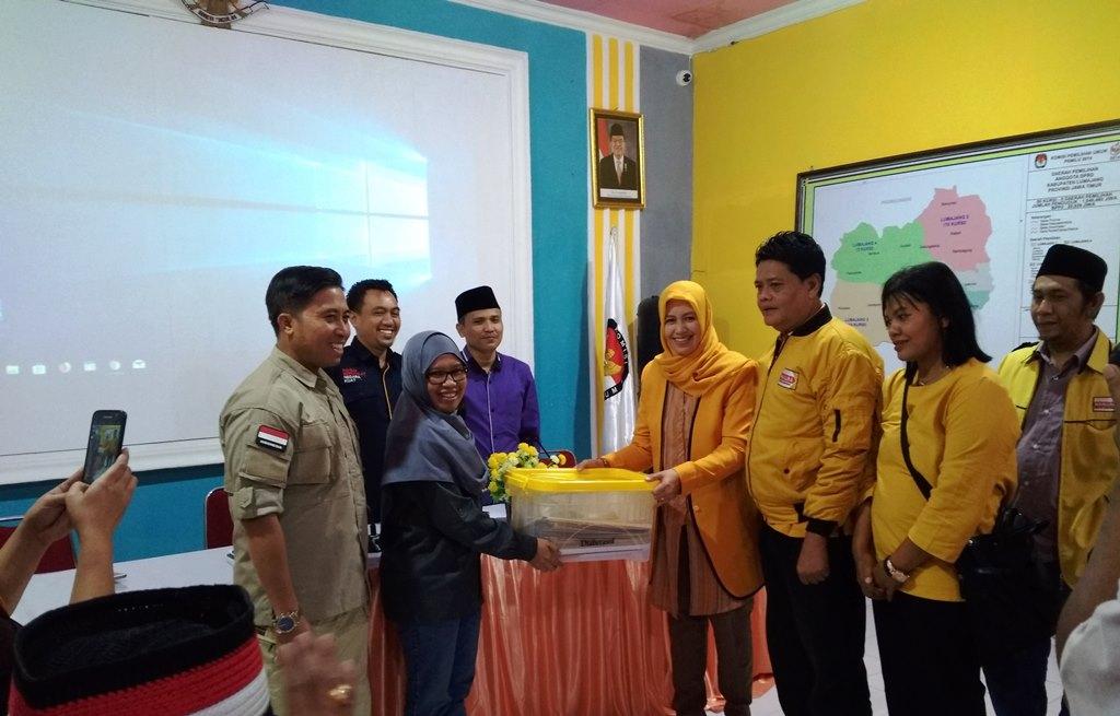 Partai Hanura Awali Pendaftaran Bacaleg di KPU Lumajang