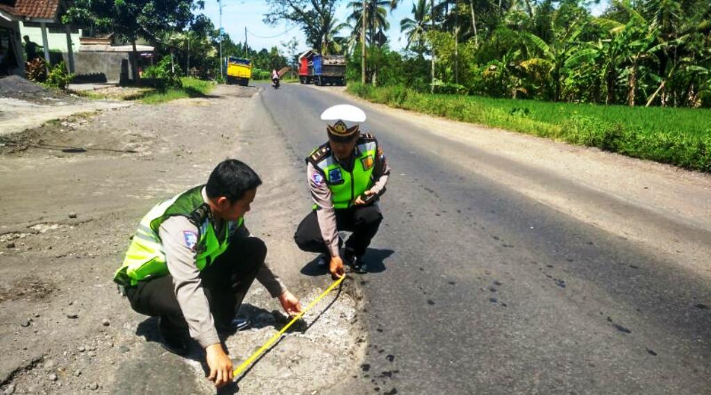 Jelang Mudik, 80 Titik Jalan Nasional di Lumajang Berlubang dan Bergelombang
