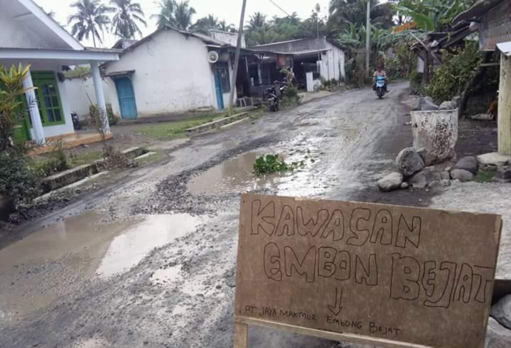 jalan rusak desa Jarit