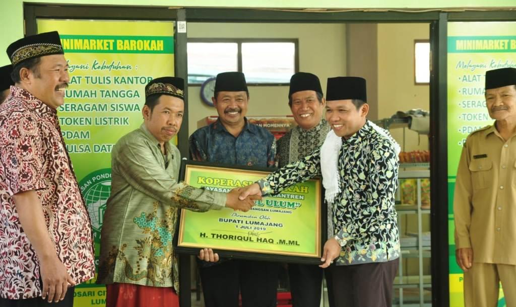 Cak Thoriq Resmikan Koperasi Barokah Yayasan Miftahul Ulum Pulosasri